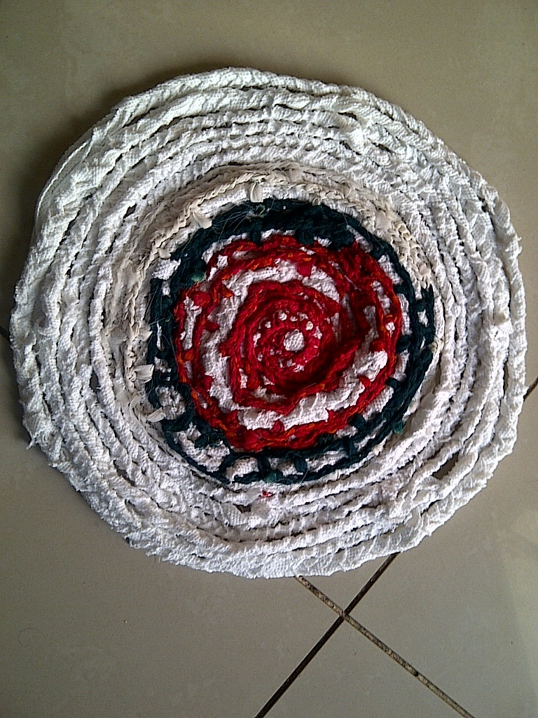 Waste material crafts images and designs good wiz for Things using waste material